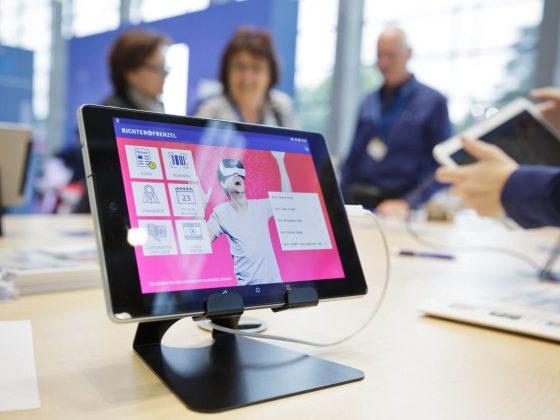 Digitalisierung des Tagesgeschäfts – 3-D-Badplanung und Virtual-Reality-Brille überzeugen Ihre Kunden