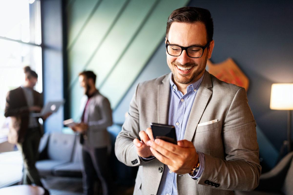 Das Smartphone schafft mobile Arbeitsplätze